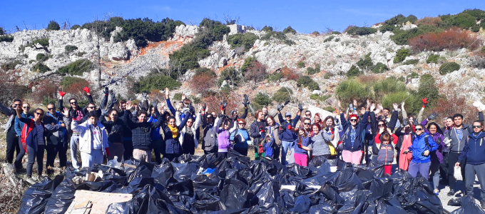 Teleperformance in Greece helps clean up their community